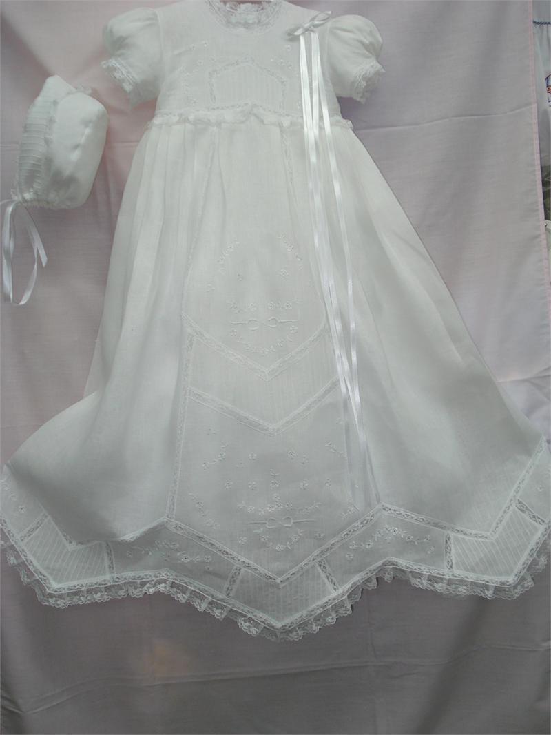 Baby Baptism Gown Linen Embroidery - Cargador de Bautizo para niña